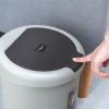 厂家直销家用塑料脚踏垃圾桶 客厅收纳桶 厨房按压脚踏带盖垃圾筒