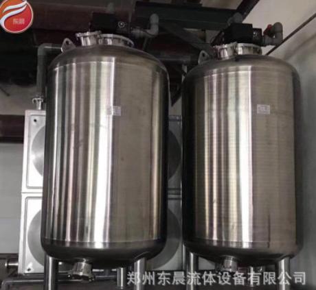 专业生产不锈钢立式储罐 加热罐 304材质可移动拉缸 纯水储存罐