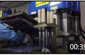 00:39 厂家生产新能源设备硅胶密封圈 配件